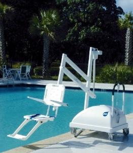 grúa de piscina Atrapool para discapacidades.